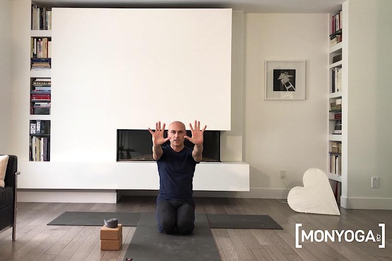 Tutoriel de yoga pour savoir comment réchauffer rapidement ses poignets
