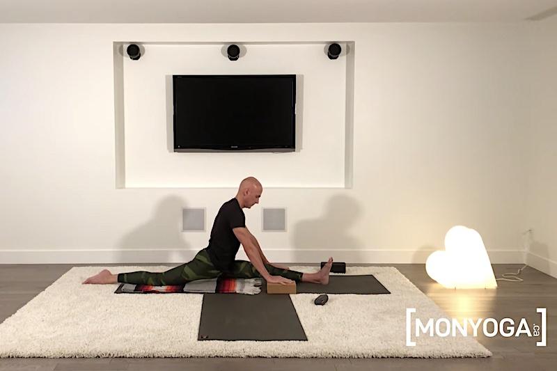 Cours de yoga pour assouplir ses jambes pour réaliser Hanumanasana