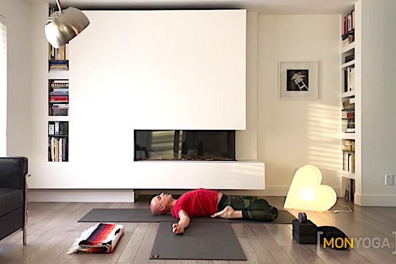 Cours de yoga pour libérer ses énergies par l'étirement des fascias