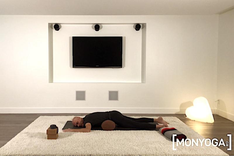Séance de Yoga Acupression pour masser et détoxifier les organes du ventre