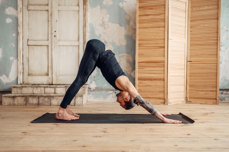 Le Yoga Vinyasa ou l'art de la respiration en mouvement